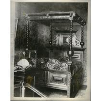 1930 Press Photo Great Novelist Victor Hugo Bed Year - RRX50059