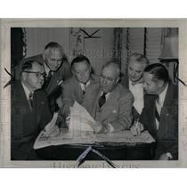 1948 Press Photo Detroit Auto Dealer Convention - RRX56151