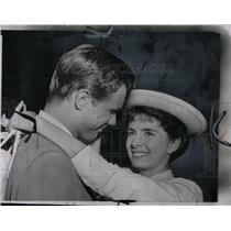 1955 Press Photo Margaret O'Brien & John Lupton - RRW70471