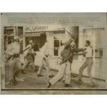 1968 Press Photo Riots in Berkely - RRX62835