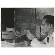 1953PressPhotoEquipment for producing polarized neutron - RRX81737