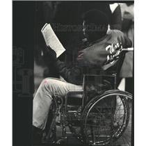 1980 Press Photo Handicapper at work at race track - RRW46587