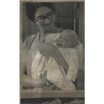 1961 Press Photo Baby Lydia Lee Aldridge, Marcia Hallenbeck