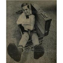 1967 Press Photo Dan Flaggman Escape Artist Trick - RRW19681