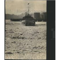1938 Press Photo Coast Guard Patrol Boat Jammed Penobs