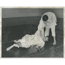 1961 Press Photo Bernard Alquire Glenn Whittington Judo - RRV98649