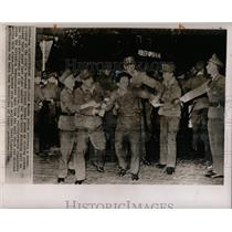 1962 Press Photo West Berlin Police Restrain Protesters - RRX80307