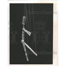 1975 Press Photo A Marionette Made From Newspaper - RRX86761