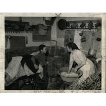 1942 Press Photo Manuel Alexandre's farm and family - RRX75637