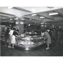 1965 Press Photo Japanese department store clocks watch - RRX81693