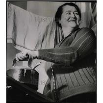 1939 Press Photo Mrs. Brigid Hilter Of London - RRW98975
