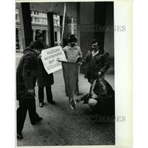1982 Press Photo Afghan refugee community Chicago