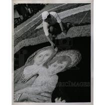 1958 Press Photo Floral Carpet Painting Genzano Italy - RRX75073