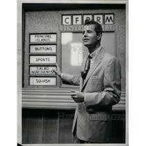 1958 Press Photo Fred Robbins Haggis Baggis Host - RRX60099