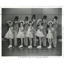 1941 Press Photo Christmas Entertainers - RRX83673