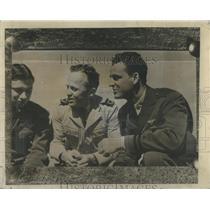 1942 Press Photo George Weller Chicago Daily News Correspondent - RSC42011