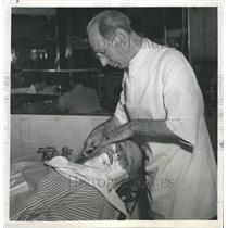 1950 Press Photo Jasper Thornton Reporter Chicago - RRX89371
