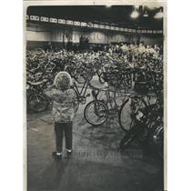 1970 Press Photo Police Bike Auction - RRV63115