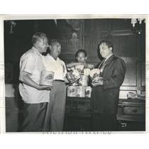 1959 Press Photo Pan American Games Mexican Team Food - RRW51931
