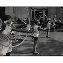 1969 Press Photo Hoola Hoops McKinley Park Western