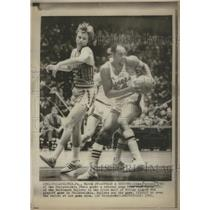 1971 Press Photo Luke Jackson of Philadelphia 76ers in the play off game.