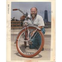 1990 Press Photo Bicycle historian Jim Hurd