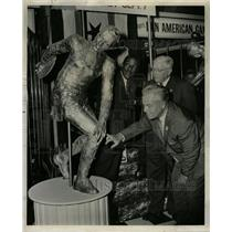 1959 Press Photo Gold Statue Pan American Games - RRW24653