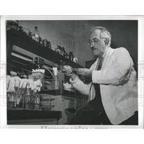 1952 Press Photo Nobel Prize Winner Medicine Selman - RRX81075