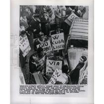 1960 Press Photo Pro-Castro Italian Students Protest - RRX70357