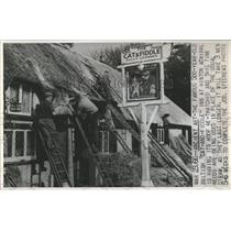 1966 Press Photo Cat and Fiddle Public House England - RRX81601