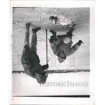 1957 Press Photo Ice Fishing Fox Lake Laurent Owens - RRW44955
