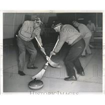 1959 Press Photo Chicago Curling Club Members - RRW54179