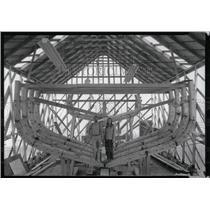 1982 Press Photo Douglas & Linda Low Shipyard - RRW70233
