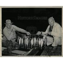1960 Press Photo C.H. Leeper and Norman Miles fishing - RRW90891