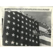 1958 Press Photo Rita Martin Pins 49th Star On Flag - RRX85185