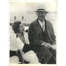 1933 Press Photo Harry Woording Plymouth Harbor England - RRX87047