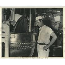 1939 Press Photo Curtiss Candy Co James Heyden - RRW54207