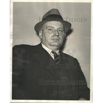 1939 Press Photo Detroit Policemen Lee Sweet - RRW28113