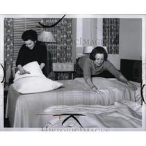 1965 Press Photo Sheraton Cadillac Hotel Eileen Johnson