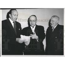 Press Photo John Streltzer, Dr. Joseph Burg and Adolf K - RRX97507