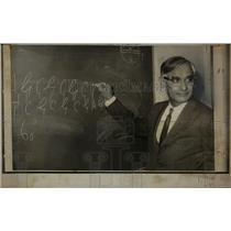 1970 Press Photo Nobel Prize Dr. Har Gobind Khorana