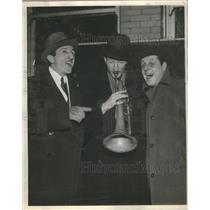"1936 Press Photo Mike Riley, Red Hodgson and Eddy Farley ""Music Goes Round"""