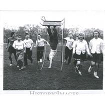 1960 Press Photo wheel children playing