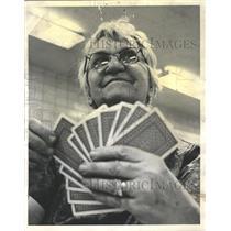 1963 Press Photo Pinochle Tournament Woman Playing Card - RRW35247