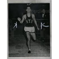 1942 Press Photo Leslie MacMitchell New York University - RRW74061