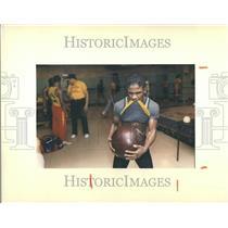1989 Press Photo Man Working Out Detroit Kronk Gym - RRV88021