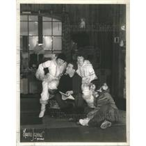 1939 Press Photo Guy Robertson American Entertainment Technician Radio Operator