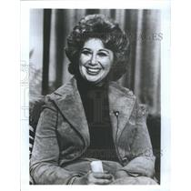 Press Photo The Carnival Of The Animals Special Host Sills On Set - RSC85823