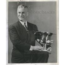 1947 Press Photo Leslik M Price Veteran Tack Athelte - RSC74209