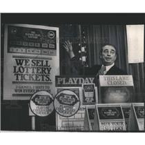 1974 Press Photo Ralph Batch Illinois Lottery - RSC42489